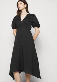 Club Monaco - V NECK PUFF - Cocktail dress / Party dress - black - 4