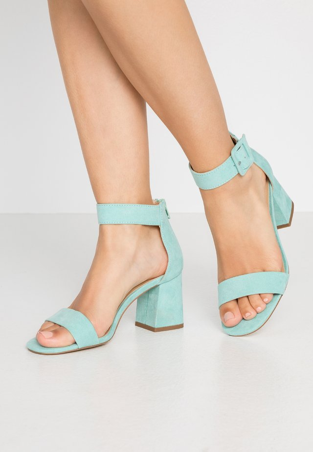 Sandals - turquoise