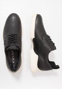 Coach - SCOTCH GRAIN HYBRID DERBY - Sneaker low - black - 1