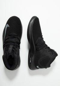 Nike Performance - AIR VERSITILE IV - Basketball shoes - black/metallic cool grey/anthracite - 1