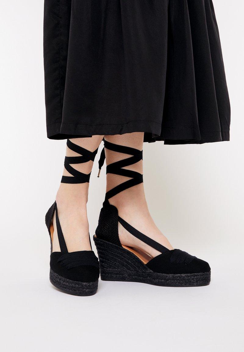 JUTELAUNE - VEGAN WEDGE - Platform sandals - black