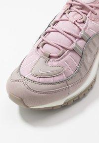 Nike Sportswear - AIR MAX 98 - Trainers - pumice/plum chalk/summit white - 5