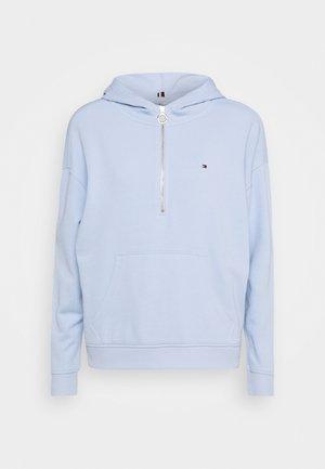 RELAXED HALF ZIP HOODIE - Bluza z kapturem - breezy blue