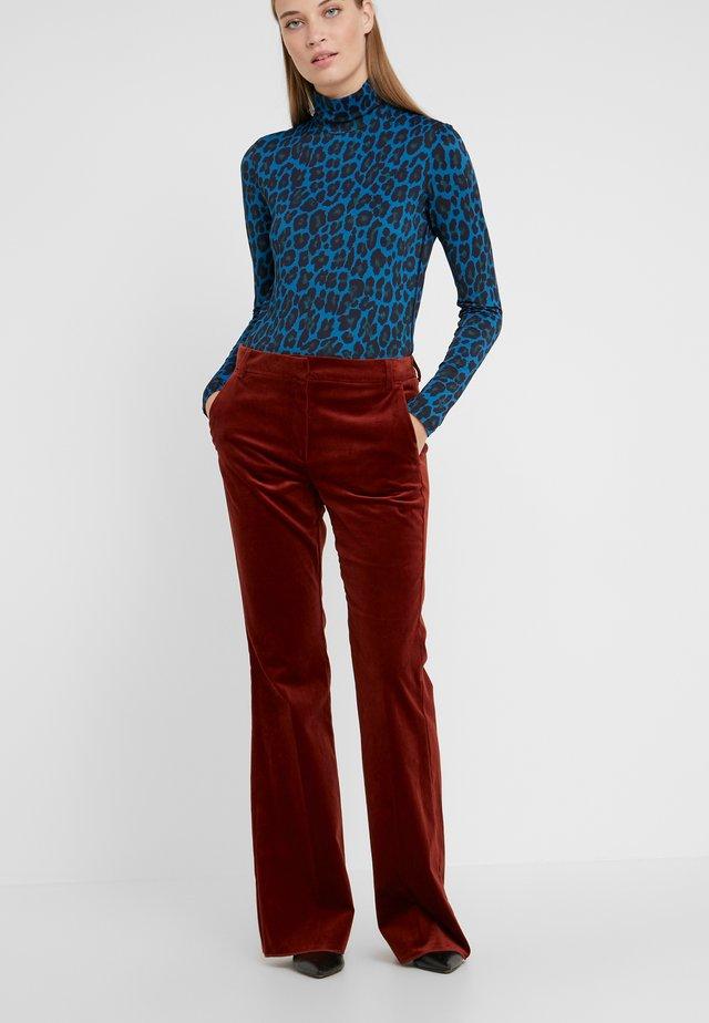 QUASAR - Pantaloni - burnt brown