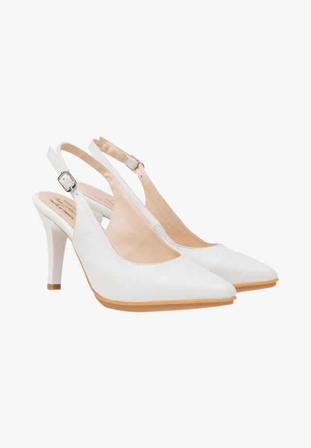 Zapatos altos - blanco
