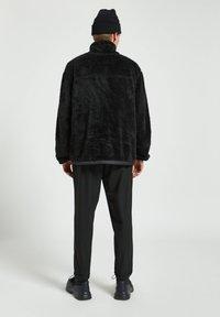 PULL&BEAR - Fleece jacket - mottled black - 2