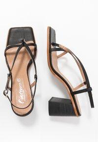 L'INTERVALLE - PASION - Sandály s odděleným palcem - black - 3