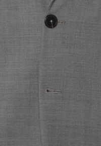 Jack & Jones PREMIUM - JPRSOLARIS - Veste de costume - light grey melange - 3