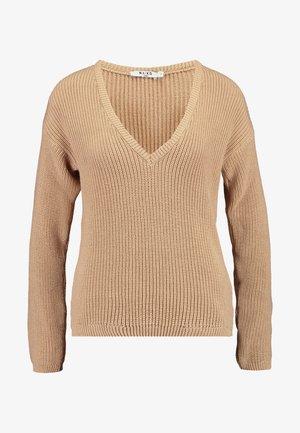 DEEP FRONT V NECK - Sweter - beige