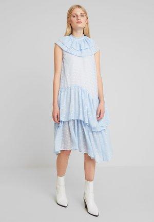 PIERRE DRESS - Denní šaty - powder blue