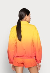 Calvin Klein Jeans - WINDBREAKER - Bomber Jacket - yellow - 2