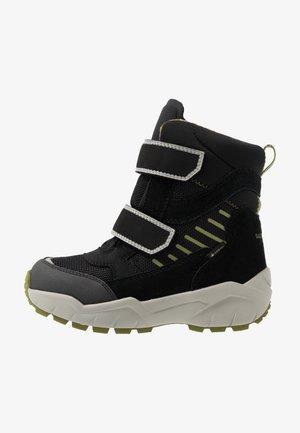 CULUSUK - Winter boots - schwarz/grün