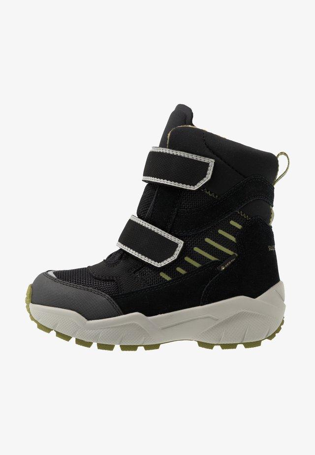 CULUSUK - Zimní obuv - schwarz/grün