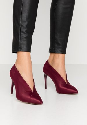 SLIP-ON - High heels - cranberry