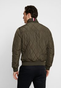 Tommy Hilfiger - DIAMOND QUILTED BOMBER - Light jacket - green - 2