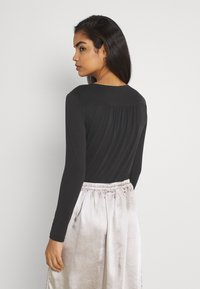 Forever New - KYLIE CROSS FRONT - Long sleeved top - black - 2