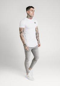 SIKSILK - SKINNY  - Jeans Skinny Fit - washed grey - 1