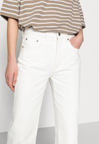 ARKET - CROPPED - Straight leg jeans - off white - 3