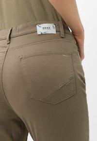 BRAX - STYLE MARY  - Trousers - khaki - 3