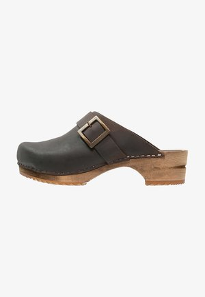 URBAN - Clogs - antique brown