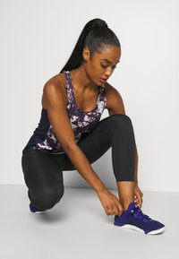 Under Armour - FLY BY PRINTED TANK - Sports shirt - purple - 3