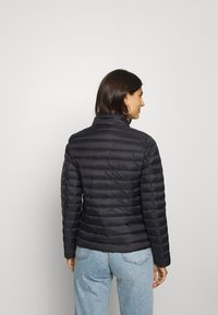 Tommy Hilfiger - ESSENTIAL - Down jacket - black - 3