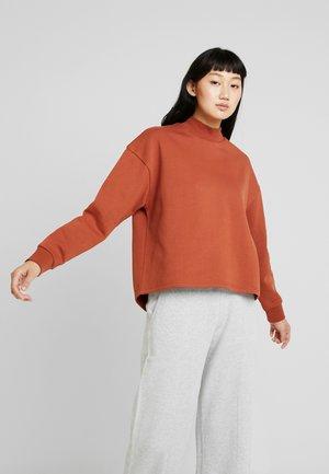 LADIES HIGH NECK CREW - Sweatshirt - rust