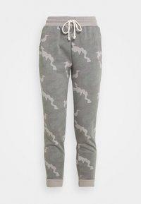 American Eagle - SLIM BOYFRIEND PRINT - Tracksuit bottoms - grey - 3
