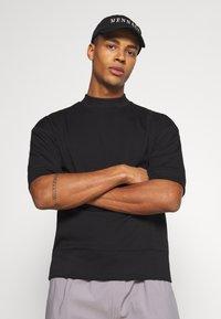 Sixth June - HIGH NECK OVERSIZED TEE - T-shirt - bas - black - 3