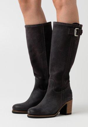Platform boots - dark grey