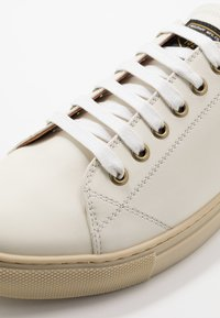 Belstaff - TREADWAY 2.0 TRAINERS - Trainers - offwhite - 6