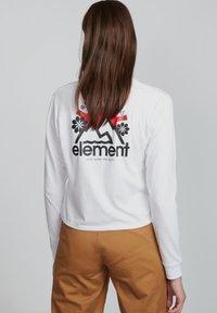Element - Sweater - white - 1
