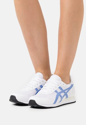 TIGER RUNNER - Sneakersy niskie - white/periwinkle blue