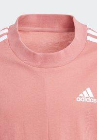 adidas Performance - 3 STRIPES ATHLETICS LOOSE - T-shirt print - pink - 3