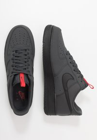 Nike Sportswear - AIR FORCE 1 - Sneakers - anthracite/black/universe red