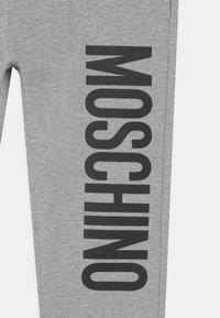 MOSCHINO - UNISEX - Teplákové kalhoty - grey - 2