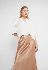 By Malene Birger - BIJANA - Basic T-shirt - white - 0