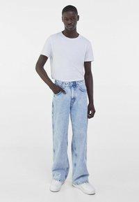 Bershka - Flared Jeans - blue denim - 1