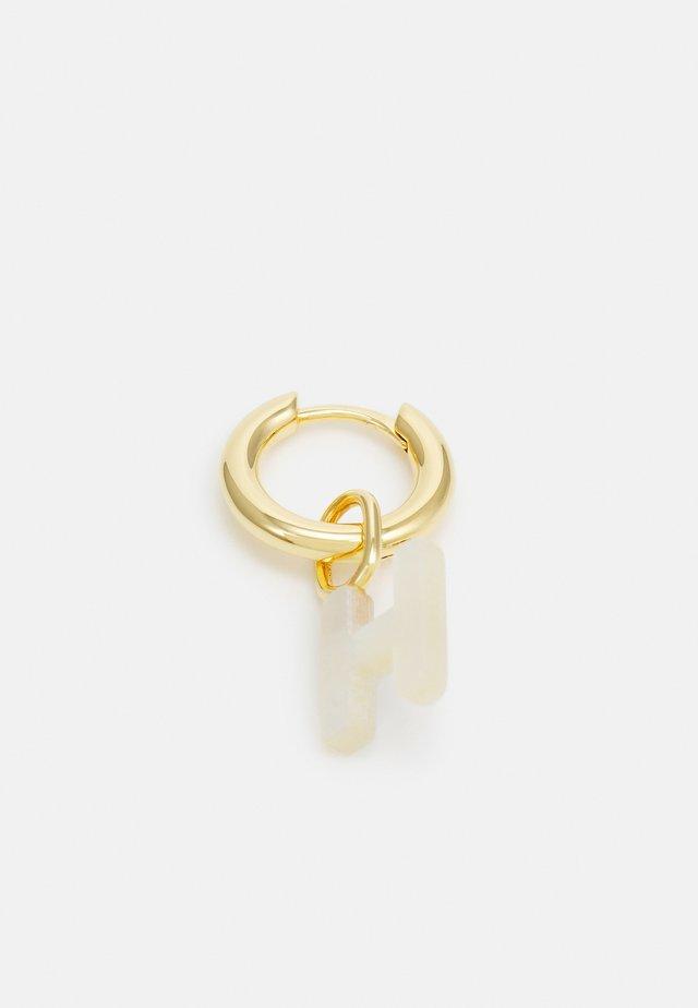 LUCID LETTER HUGGIE H - Oorbellen - gold-coloured