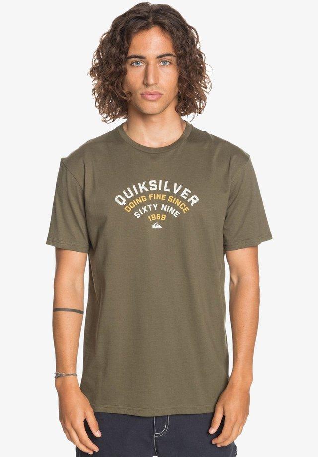 UP TO NOW - T-shirt print - kalamata