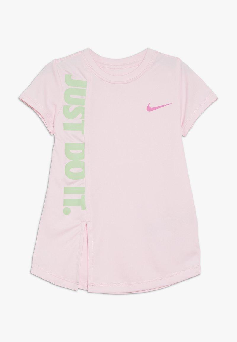 Nike Sportswear - GIRLS JUST DO IT SPLIT  - T-shirt print - pink foam