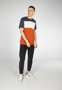 NXG by Protest - Print T-shirt - spicy - 1