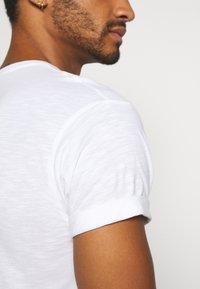 Topman - 3 PACK - Basic T-shirt - white - 7