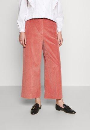TOBIA - Pantalon classique - old rose