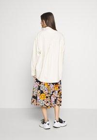 Monki - ALLISON - Button-down blouse - white light unique - 2
