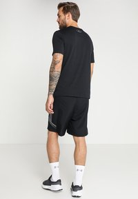 Under Armour - SPORTSTYLE LEFT CHEST - T-Shirt basic - black /black - 2