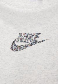 Nike Sportswear - T-shirt med print - white - 5