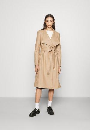 MID LENGTH WRAP COAT - Classic coat - camel