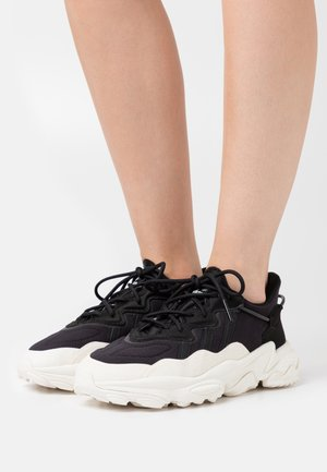 OZWEEGO SPORTS INSPIRED SHOES - Trainers - core black/offwhite