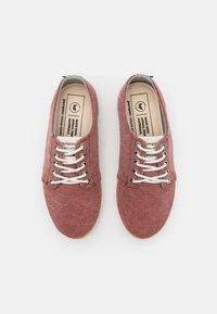 Pompeii - HIGBY VEGAN UNISEX - Sneakersy niskie - rouge - 3